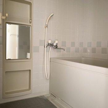 浴室のタイルがかわいいです。