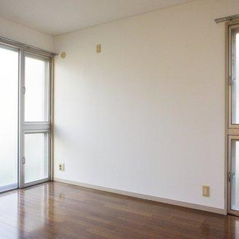 二面採光です。こちらを寝室にしましょうか。※写真は1階の同間取り別部屋のものです