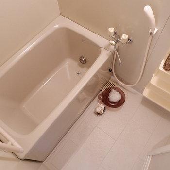 清潔感あるお風呂です。※写真は4階の同間取り別部屋のものです