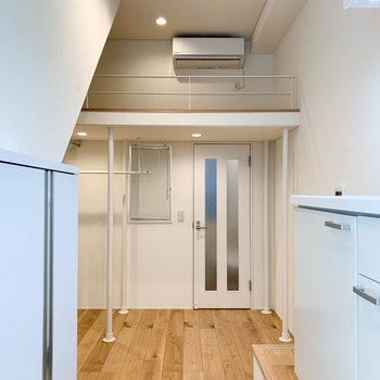 狭いお部屋でもロフトがあると、天井が高くて、圧迫感がないのが良いですね。