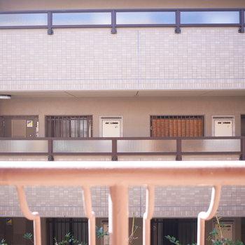 眺望はお隣のマンション共用部