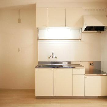 コンロは持ち込みになりますがきれいなキッチン