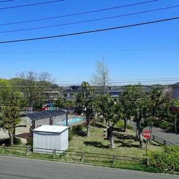 【洋室7帖】公園が目の前に見えますね。