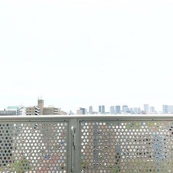 13階なので、眺めがとても良いですね。