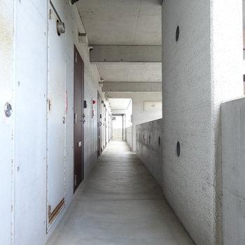 共用廊下もかっこいい!