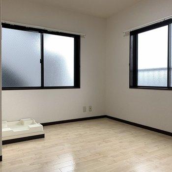 【DK】大きな窓がそれぞれのお部屋に付いてます!※写真はクリーニング前のものです。
