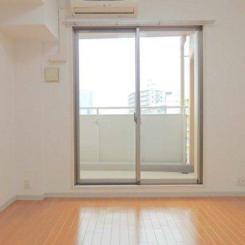 窓からは光も!※写真は10階の同間取り別部屋のものです