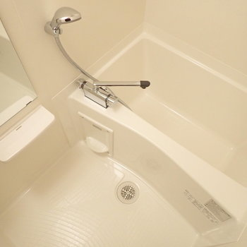 清潔感があるお風呂です。