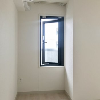 この小窓がいいんだよなあ。※写真は8階同間取り別部屋のものです