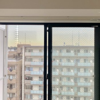 室内物干し受け付き。雨の日でも安心です。※写真は10階の同間取り別部屋のものです