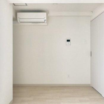 緑をプラスしたくなる空間。※写真は8階同間取り別部屋のものです