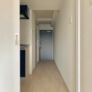 続いてはキッチンにいきます※写真は通電前のものです※写真は10階同間取り別部屋のものです