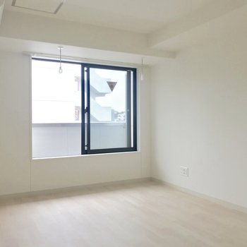 壁面シェルフを置きたい・・※写真は8階反転間取り別部屋のものです