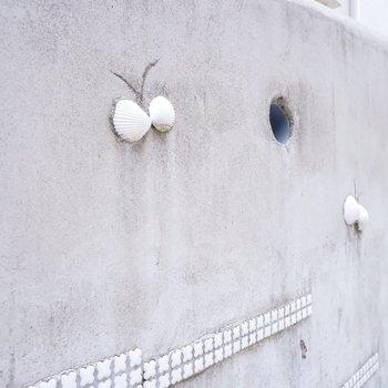 共用部もよく見ると湘南ならではのデザインに。