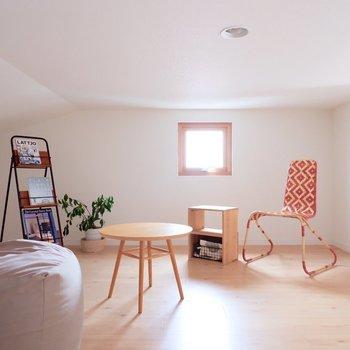 こちら、お部屋ではなくロフトなんです。※家具・雑貨はサンプルです