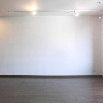 色々置けますよ!※写真は3階の反転取り別部屋のものです