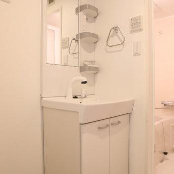 シャワーヘッドなのが地味に嬉しい※写真は3階の同間取り別部屋のものです