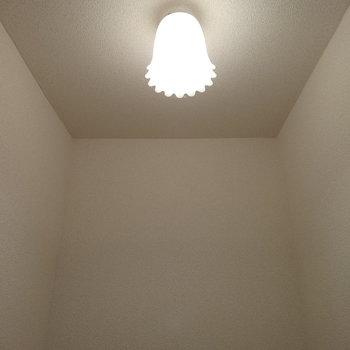 トイレの照明がキャラクターみたい!キュート♡
