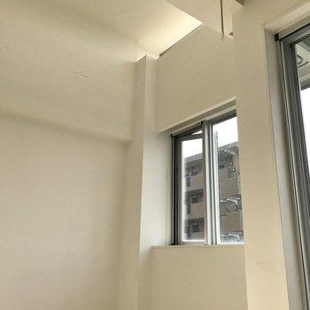 天井が高いんです。※写真は5階の同間取り別部屋のものです