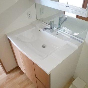 身支度はなんでも任せてな洗面台※写真は3階の反転間取り別部屋のものです