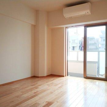 【6.2帖】ドアがついてる方は寝室にしたいな※写真は3階の反転間取り別部屋のものです