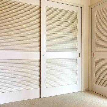 扉がメルヘンチックでかわいい◎※写真は3階の反転間取り別部屋のものです