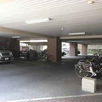 駐車場も駐輪場もこんなに広々!
