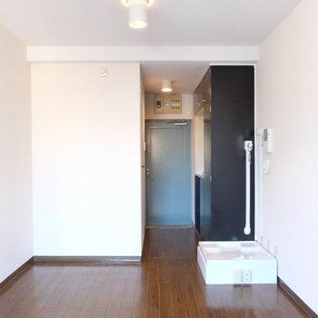 水色の扉がいい!※写真は3階の同間取り別部屋です