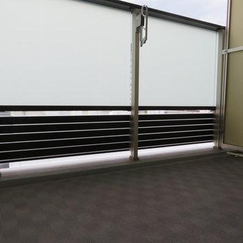 バルコニーからは※写真は13階の反転間取り別部屋のものです。
