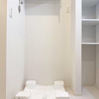 洗濯パンは脱衣所に。収納もばっちり。