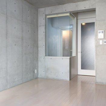 水回り見に行きましょう※写真は4階の反転間取り別部屋のものです