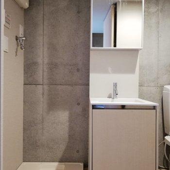 かわいい四角の洗面台※写真はクリーニング前のものです