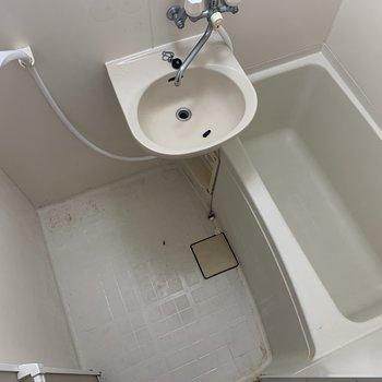入浴剤をいれてマッタリと※写真はクリーニング前の物です