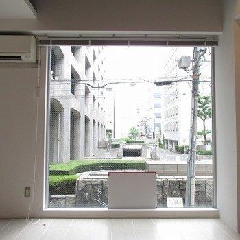 窓が大きくて良い!※写真は2階の同間取り別部屋のものです