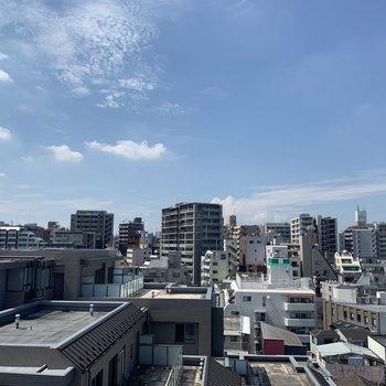 バルコニーからの眺望。気持ちいいです。