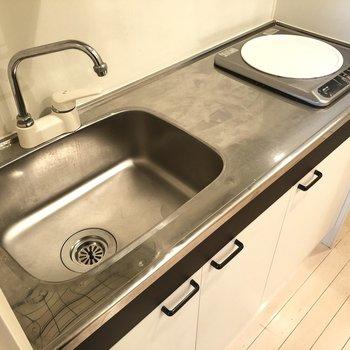 作業スペースも確保されているキッチンになります。