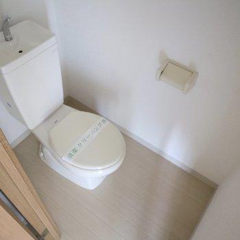 トイレ別なのは嬉しいな。※写真は通電前のものです