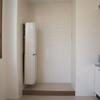 冷蔵庫置場も完備※写真は通電前のものです