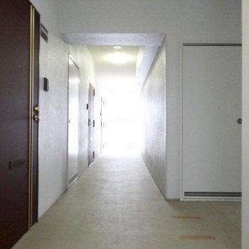 共用廊下は清潔に。