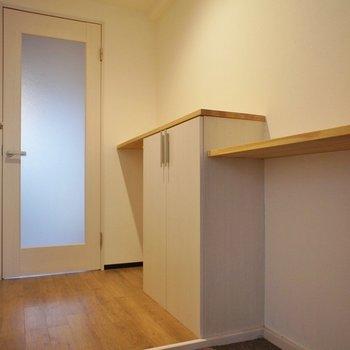 棚の上に鍵置場を作ったり♪
