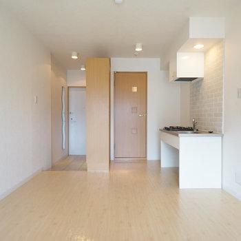 使いやすい形のお部屋です♪※写真は4階の同間取り別部屋のものです