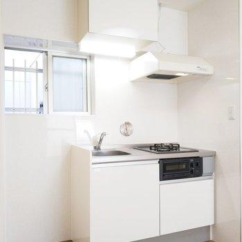 システムキッチンですよ!※写真は3階の同間取り別部屋のものです