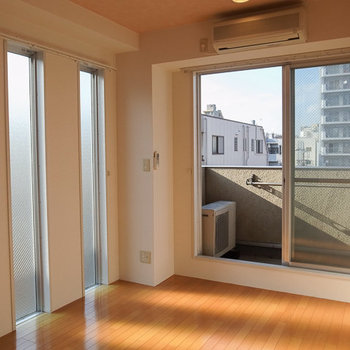 秘密はこの窓。 ※写真は4階の似た間取り別部屋のものです