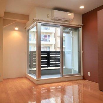 洗練された空間です※写真は3階の同間取り別部屋のものです
