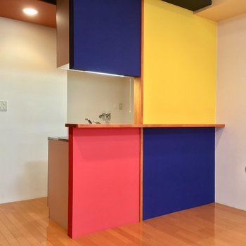 カウンターキッチンなんですね※写真は3階の同間取り別部屋のものです