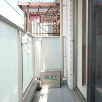 ベランダは洗濯物を干すスペースありました。