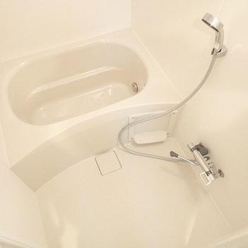 お風呂は追い焚き付き、ゆっくり疲れそうです。
