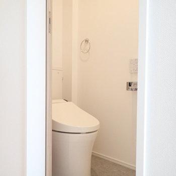 トイレは別部屋、お友達が来ても安心。