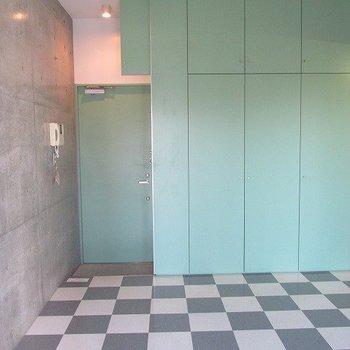 緑好きにはたまらない。※写真は6階の反転間取り別部屋のものです
