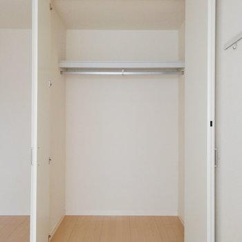 なかなかの容量です。※写真は2階の反転間取り別部屋のものです※写真はクリーニング前のものです